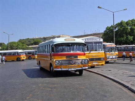 Bus_station_in_Valletta.jpg