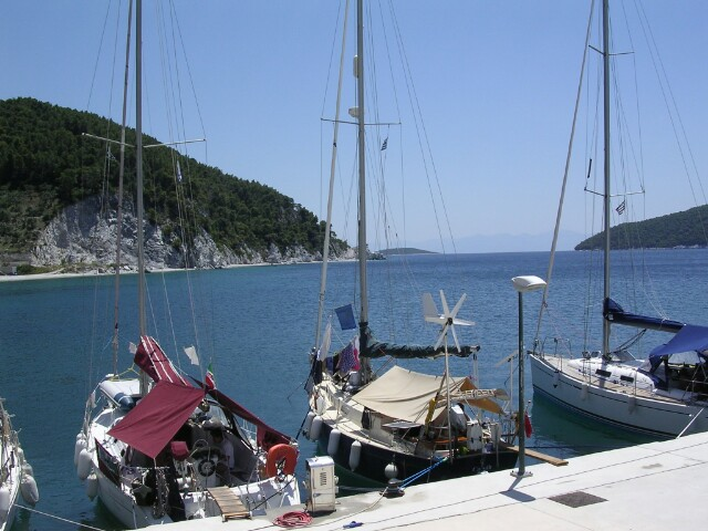 Caladh_on_the_quay_at_Elios.jpg
