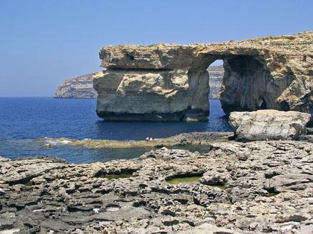 Coastline_of_Gozo.jpg