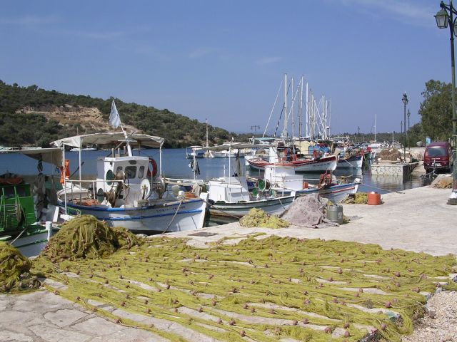 Drying_the_nets_at_Port_Atheni.jpg