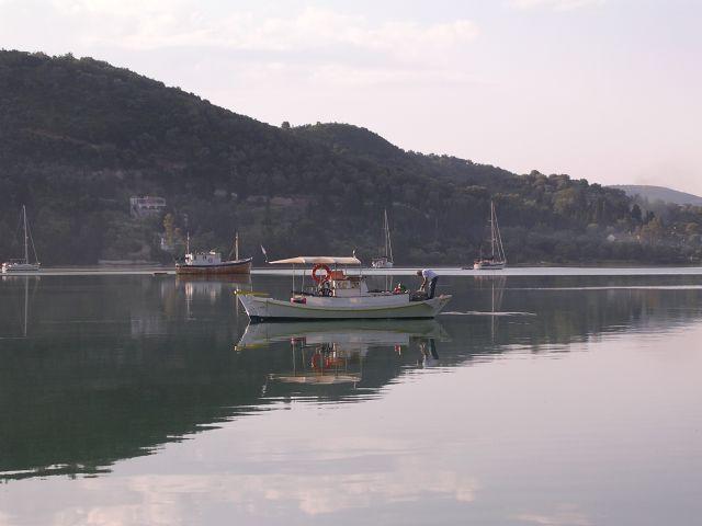 Fisherman_at_Ormos_Vliho.jpg