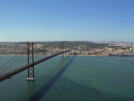 Lisbon_bridge.jpg