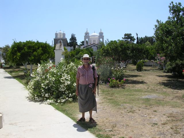 Simon_modestly_dressed_at_the_monastery_at_Koroni.jpg