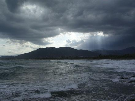 Stormy_weather_near_Porto_Corallo.jpg