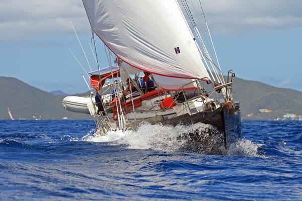 Simoon_III_starboard_bow.jpg
