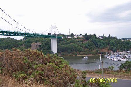 Bridge_over_the_Vilaine_River.jpg